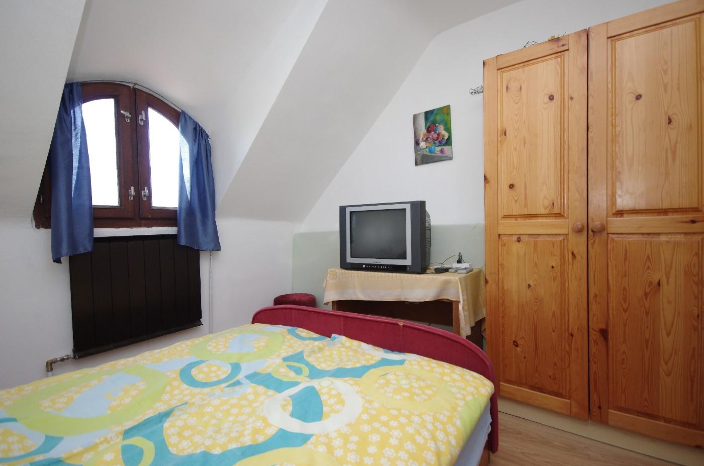 Családi ház - emeleti 1. hálószoba