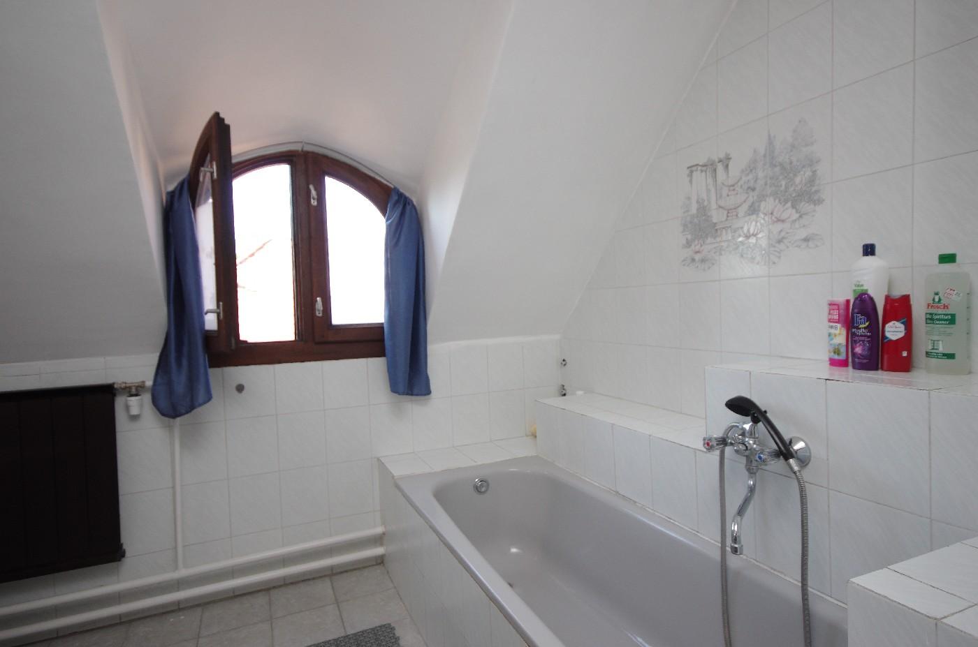 Családi ház - emeleti fürdőszoba
